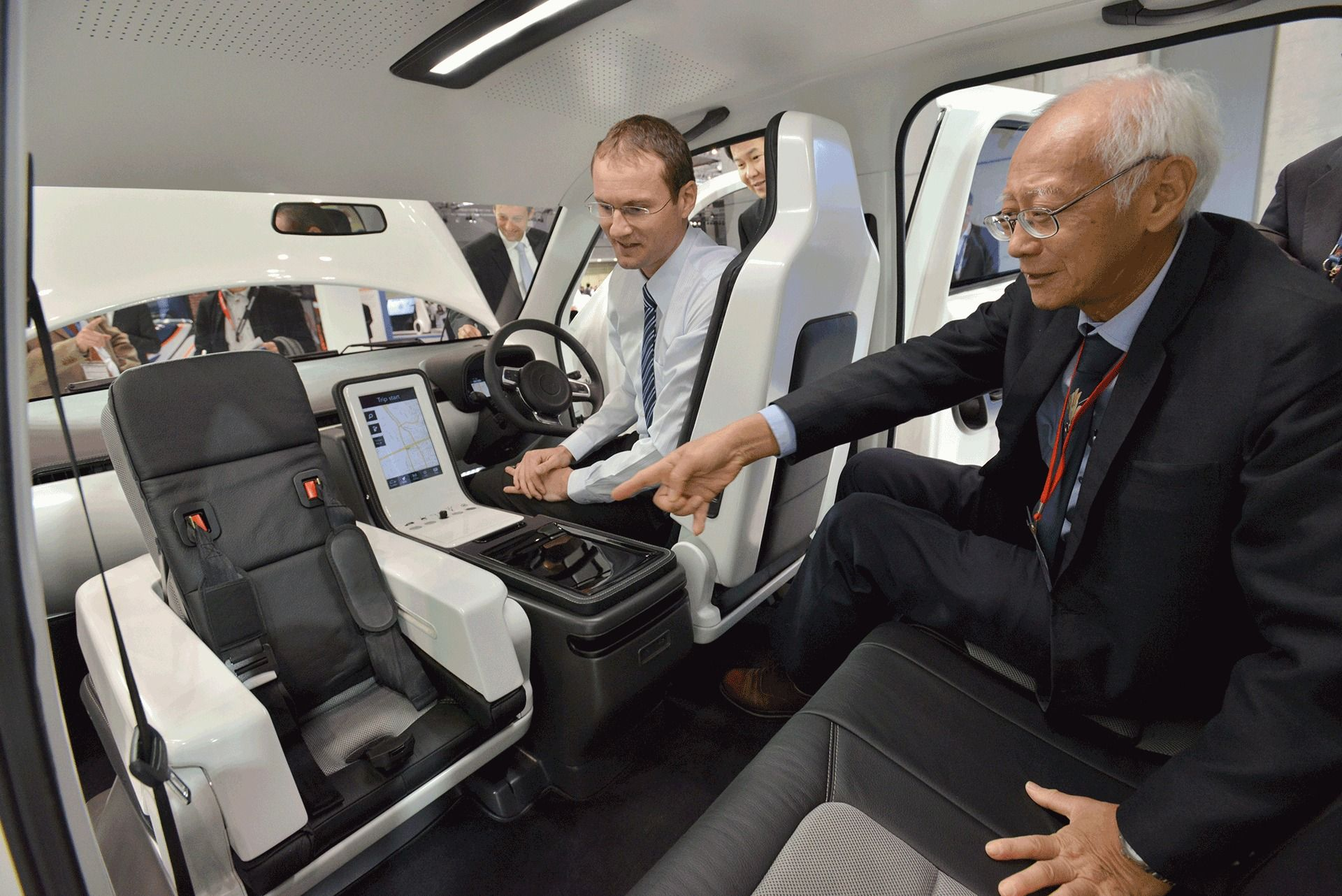 Eva taxi / Tum Create: a collaboration between Technische Universität München (TUM) in Germany and Nanyang Technological University (NTU) in Singapore