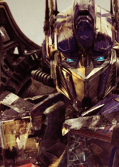Let S Roll Optimus Prime In Transformers Bayverse Means Business Transformers Bumblebee Transformers Filme Transforme