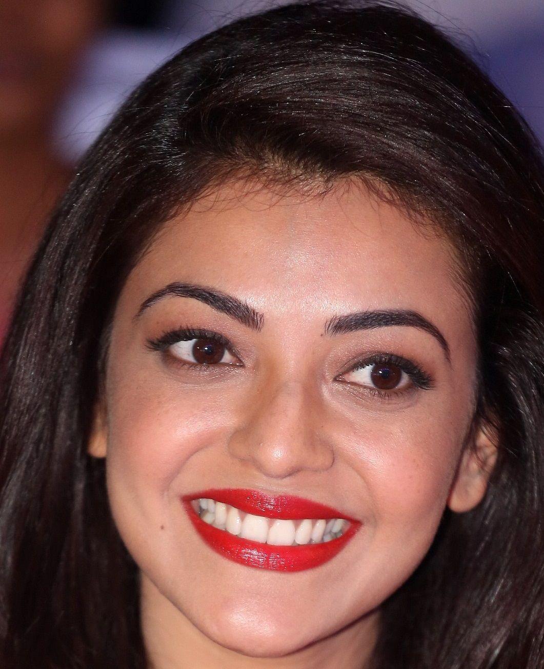 Indian Actress Kajal Aggarwal Smiling Face Close Up Stills Indian Actress Hot Pics Bollywood Actress Hot Photos Beautiful Bollywood Actress