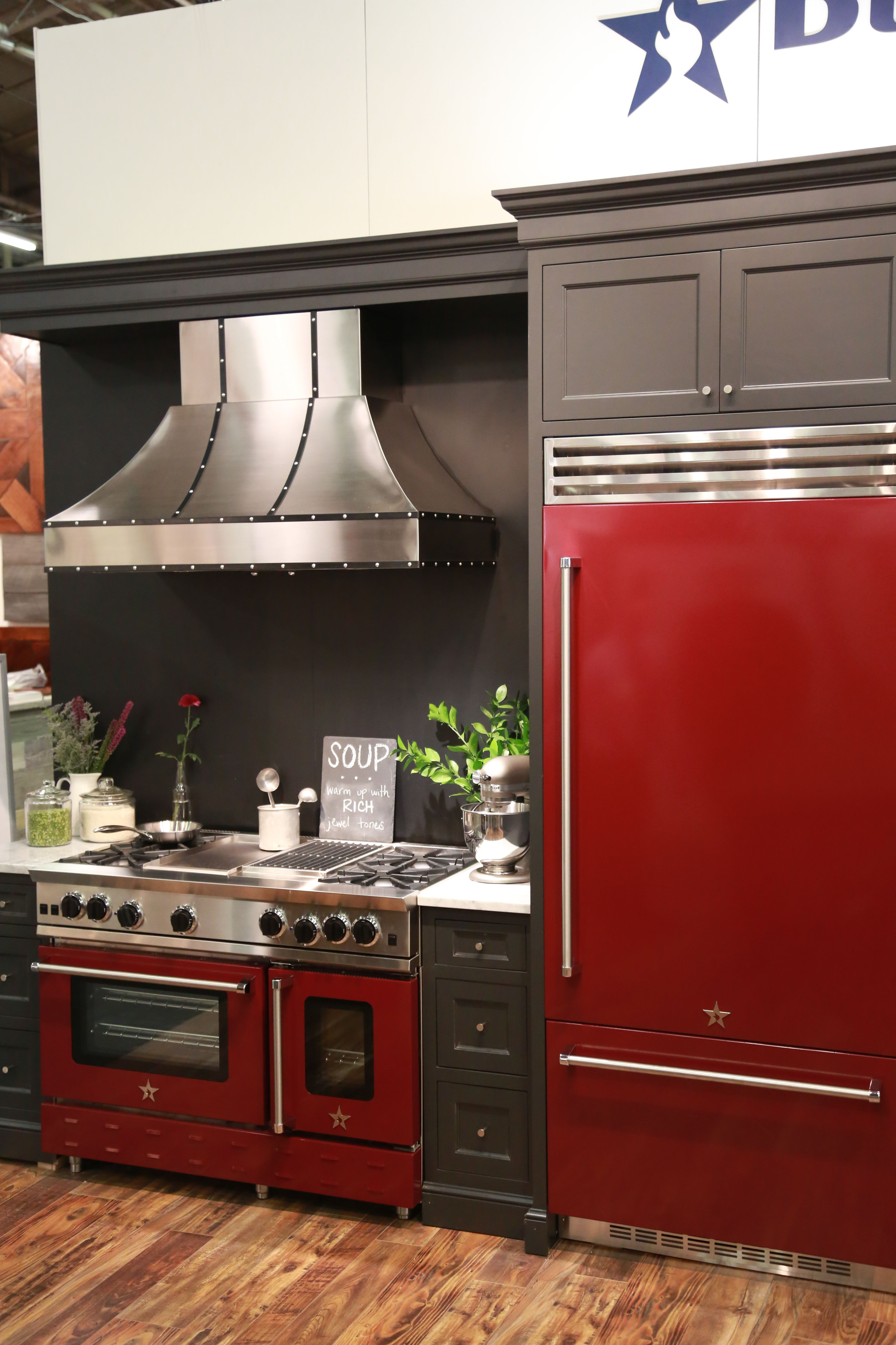 Installation of built-in hood: location options and installation instructions 93