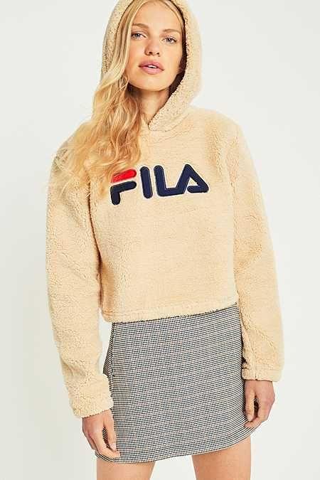 e978827a00dd FILA - Sweat à capuche court en molleton crème   Wish list   Fila ...