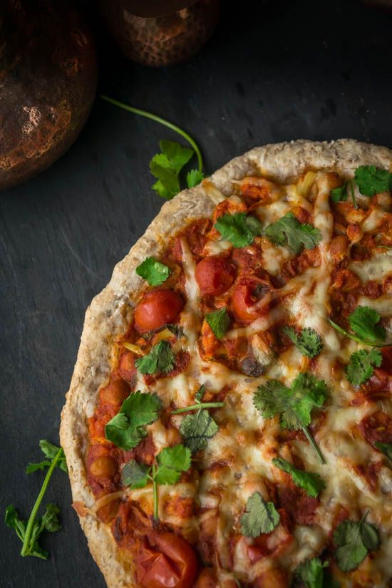 Individual Indian Tikka Masala Pizzas with Whole Wheat Crust (Vegan) | Gringalicious.com
