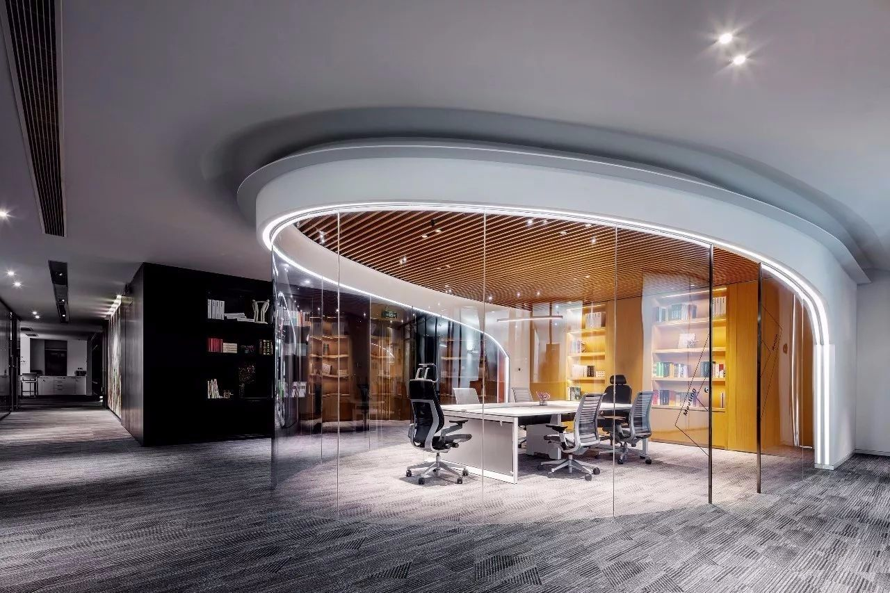 Pin By Jasmin Nast On Office Corporate Interior Design Office Interior Design Modern Office Interiors