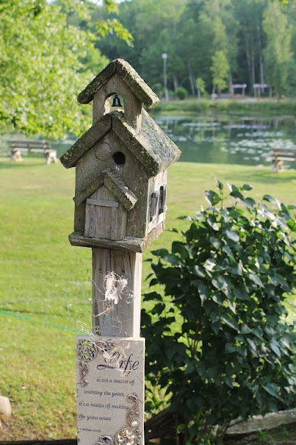 Cozy canadian cottage a pretty park birdhouse love for Cozy canadian cottage