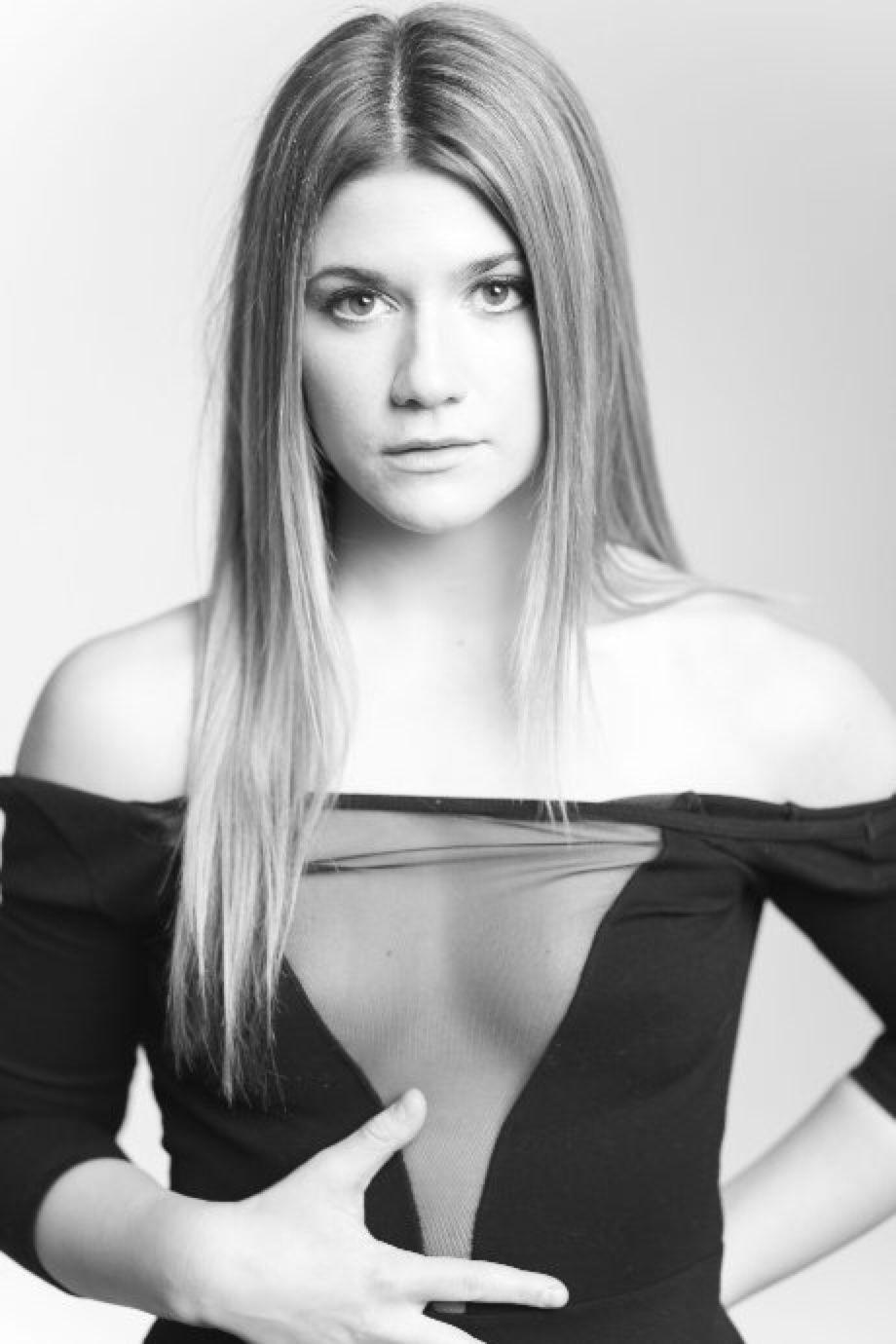 Elise Bauman Abs 2016