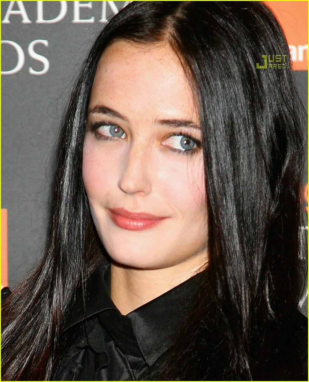 Something So Pretty About Dark Hair And Light Eyes Actress Eva Green Eva Green Dark Hair