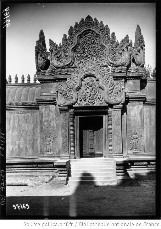 Exposition Coloniale De Marseille Une Porte Du Palais D Angkor Photographie De Presse Agence Meurisse 1
