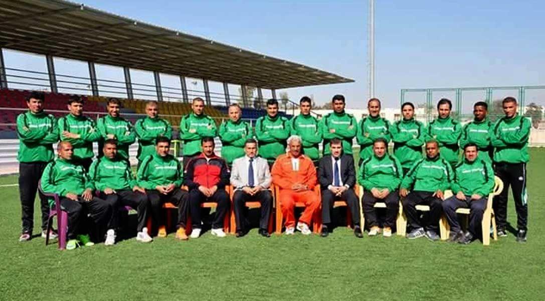 مدرب الحراس العراقي كاظم ناصر يساهم بقيادة جعلان لتصدر دوري الدرجة الاولى العماني الصدى نت Soccer Field Soccer Sports