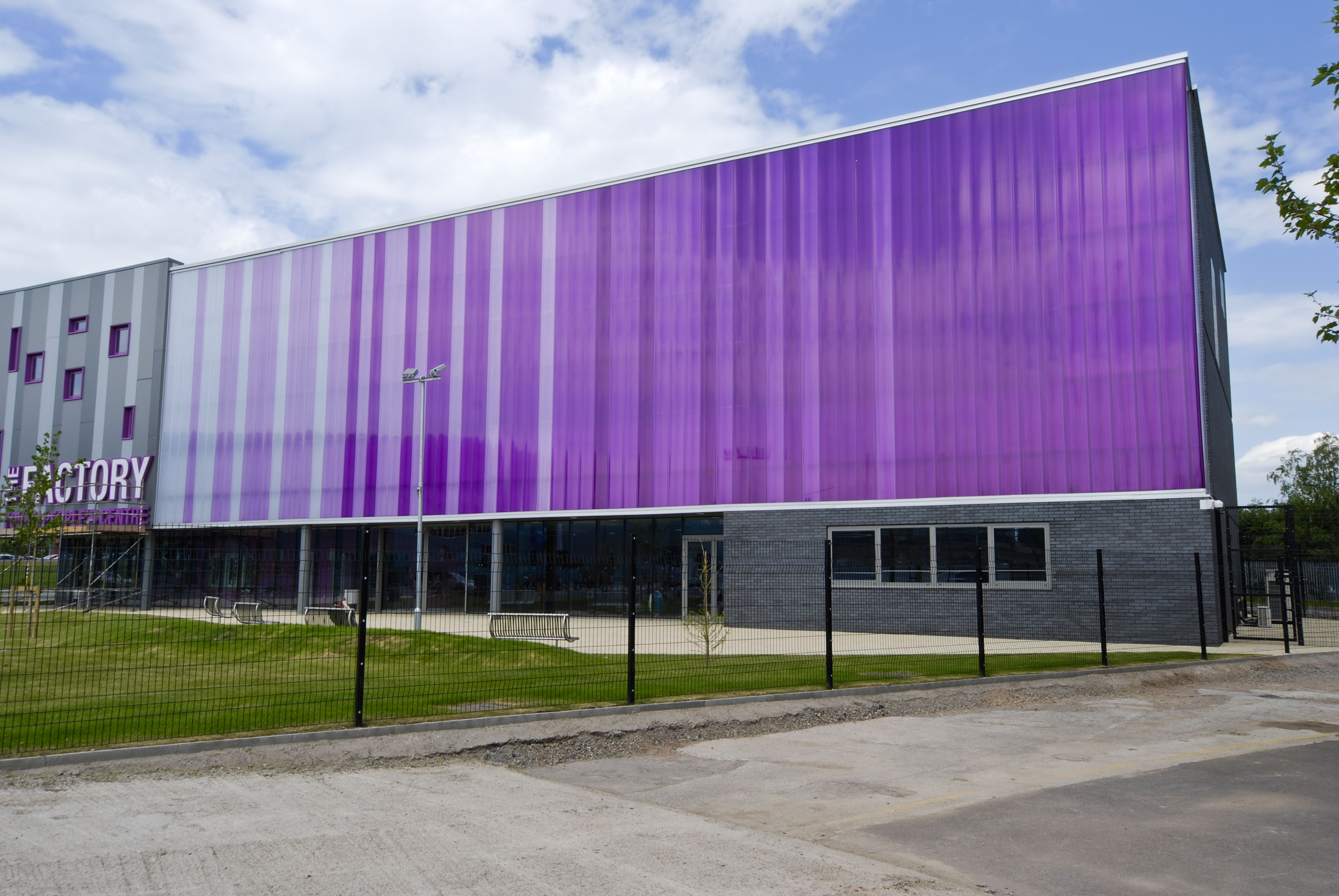 Architectural Translucent Panels : Translucent facade in polycarbonate panels by rodeca gmbh