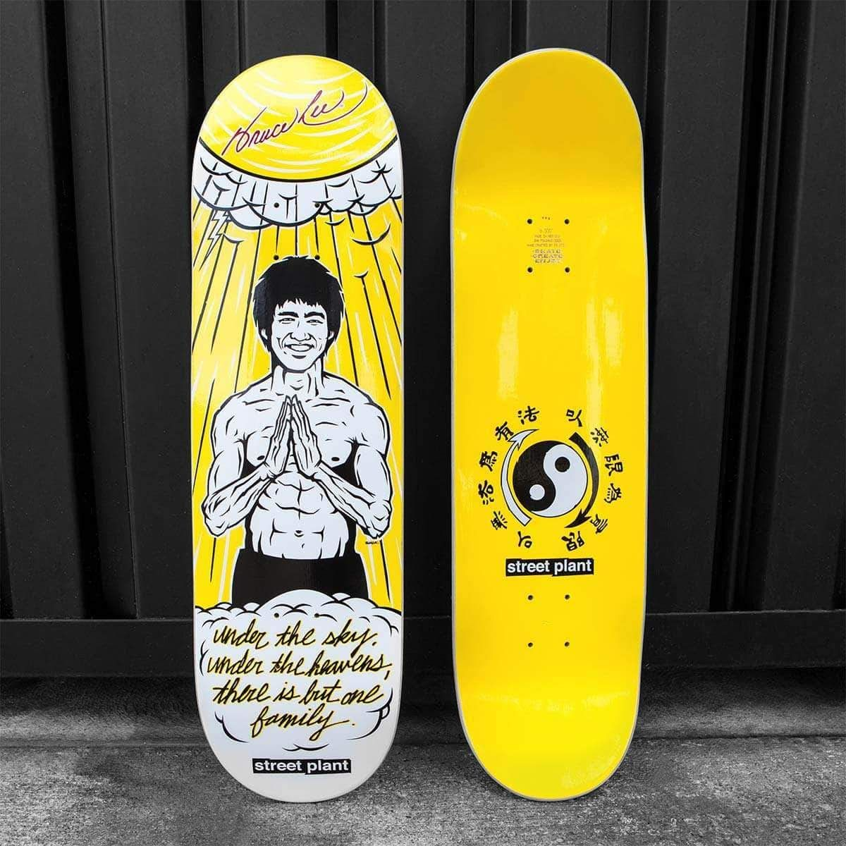 Amazing Collaboration Between The Bruce Lee Family Company And Mike Vallely Introducing The Bruce Lee One Family Skateboard Art Design Skate Decks Bruce Lee