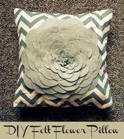 Be Chic. Be Classy. Be Creative.: DIY Felt Flower Pillow