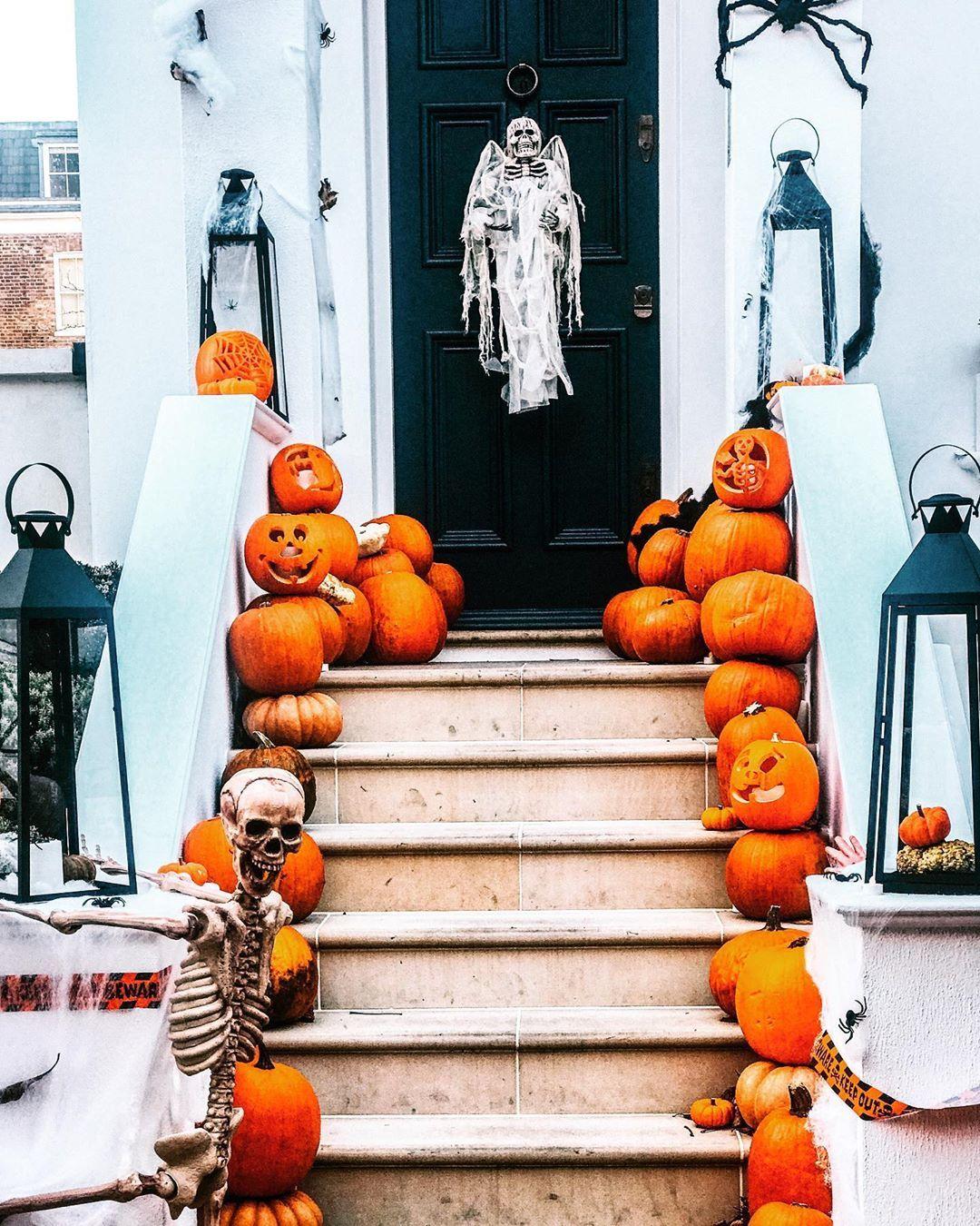 "Rita Farhi Noirot on Instagram ""👻🎃💀 How many pumpkins are"