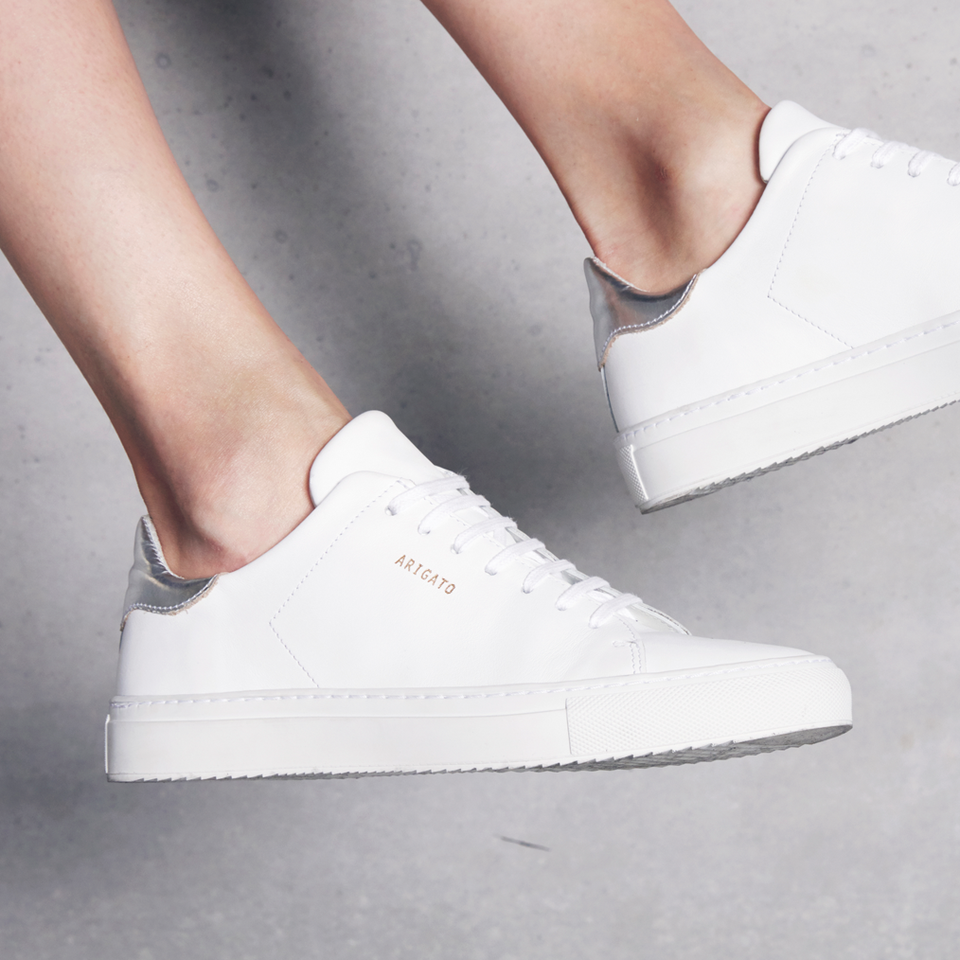 Chic shoes, White leather sneakers
