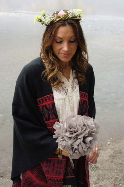 Grey flower bouquet // crepe paper by dreamliketrees on Etsy
