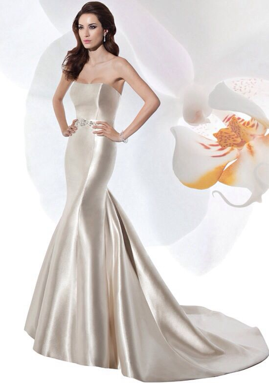 Love the silhouette | Gowns & Dresses | Pinterest