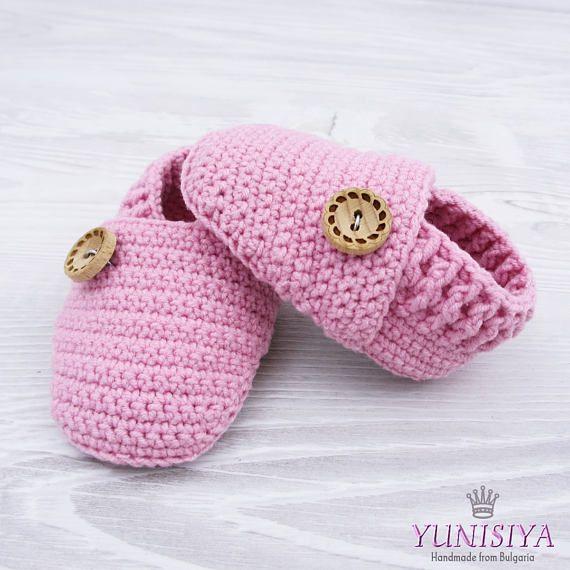 ad0400530cb4b Crochet baby shoes Crochet baby booties 0-3 months Girls   Newborn ...