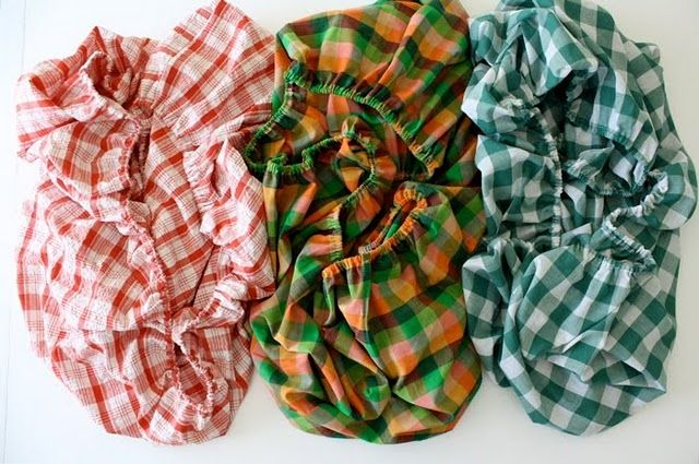 We could use a few more crib sheets and maybe some play yard sheets.... Hint hint crafty people!   :)    20 Great Baby Items and Gear to Make Yourself | The New Home Ec