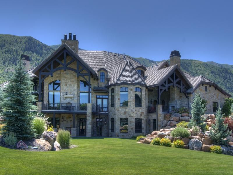 14 700 square foot utah mansion on 26 acres homes of the for Beautiful rich houses