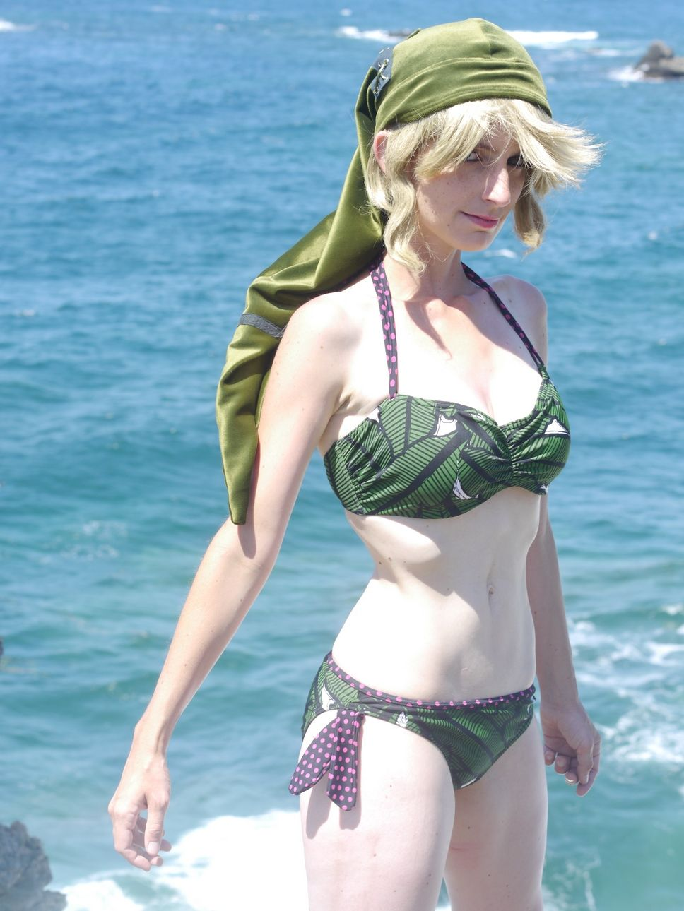 0c7c74aa1e  Tatasenko Mana bikini Link cosplay shots (3 5)