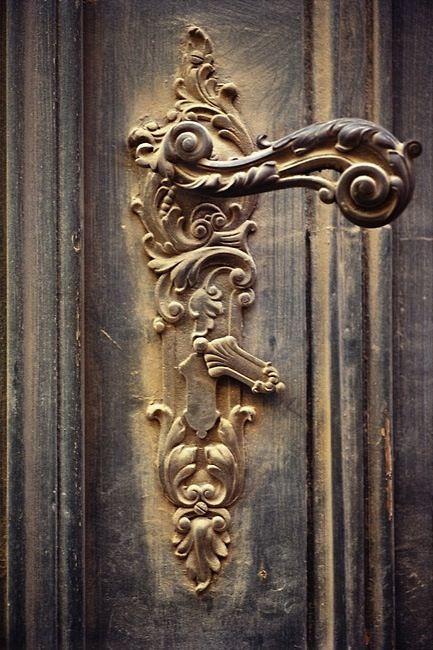 Vintage door knockers and door knobs
