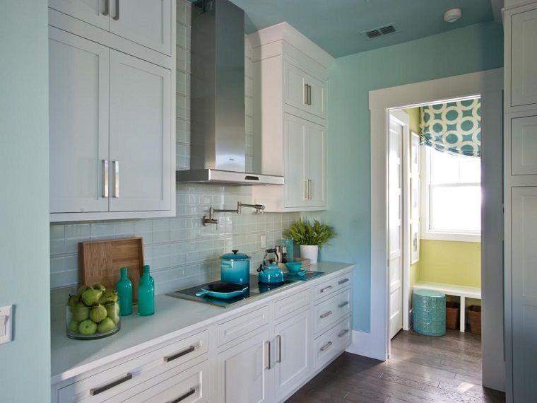 Cocinas pequeñas 50 ideas que impresionan | Paredes de color ...