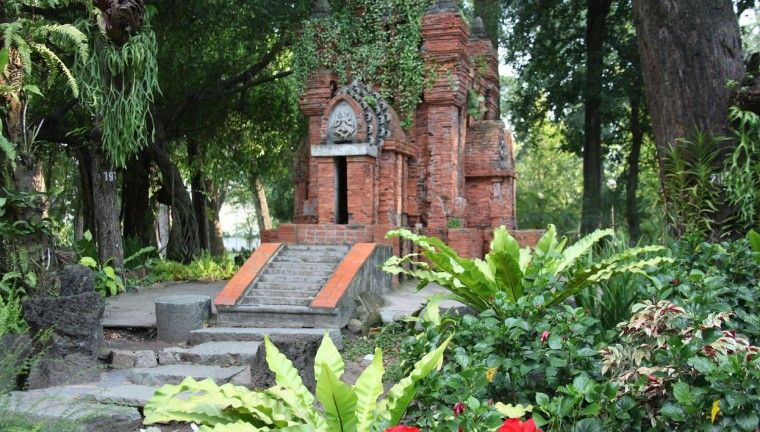 HO CHI MINH CITY Tao Dan Park | Vietnam travel | Pinterest | Tao, Ho ...