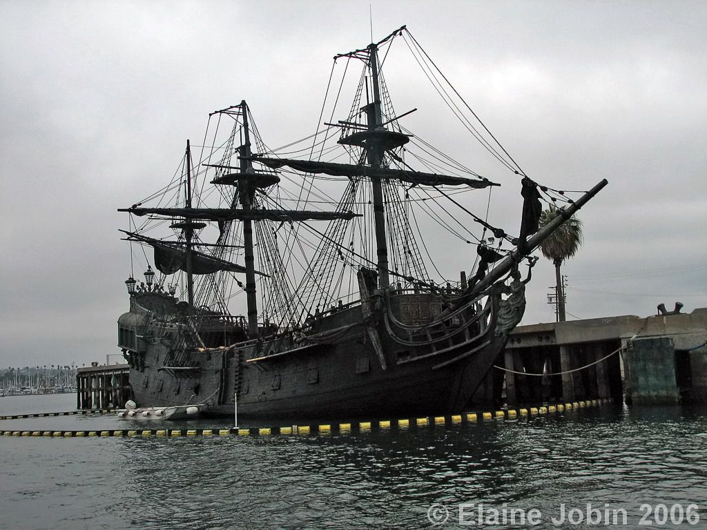 Best 25+ Black pearl ship ideas on Pinterest | Ghost ship, Pirate ...