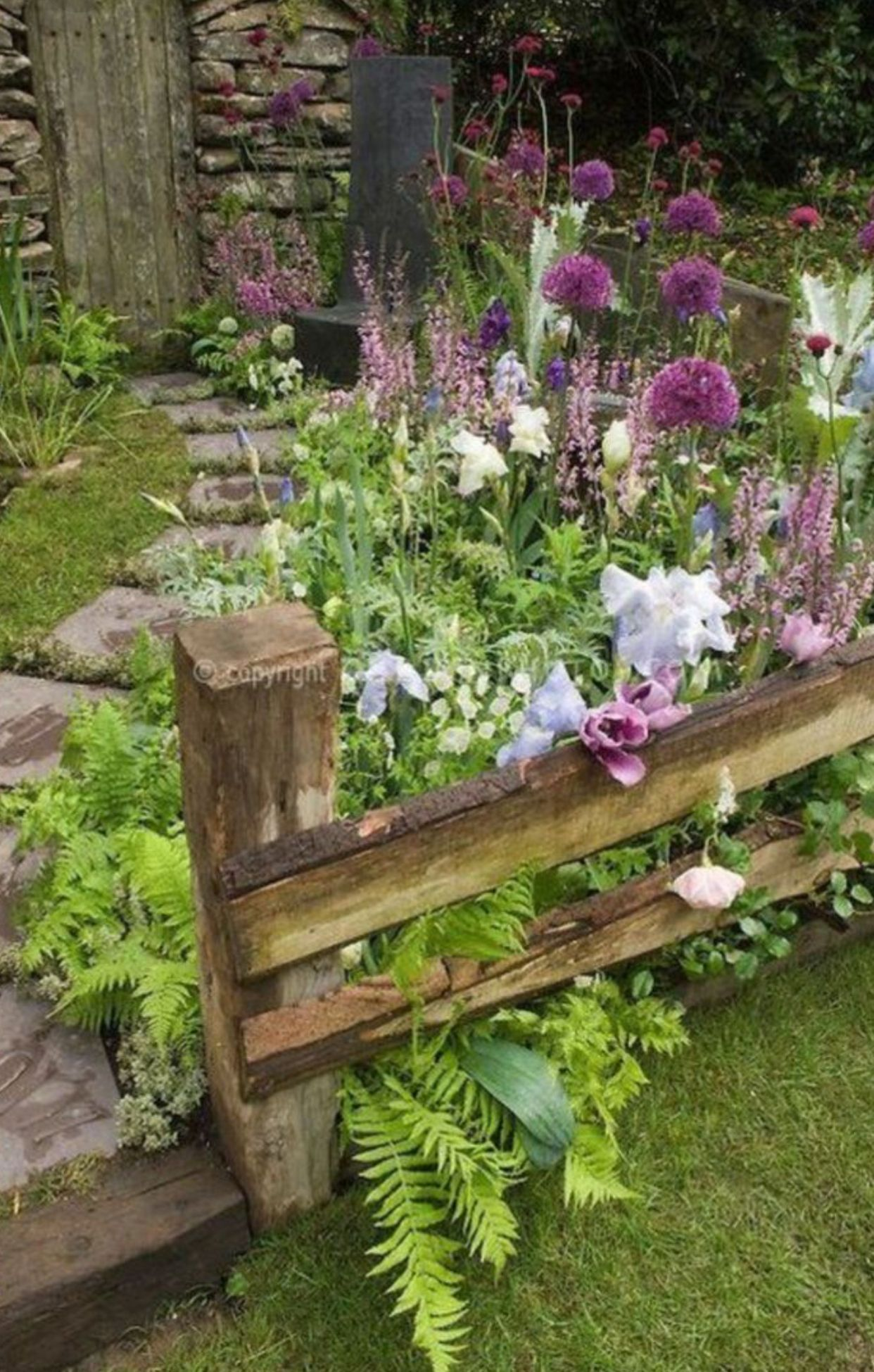 Just Fill Those Unused Little Corners With Flowers