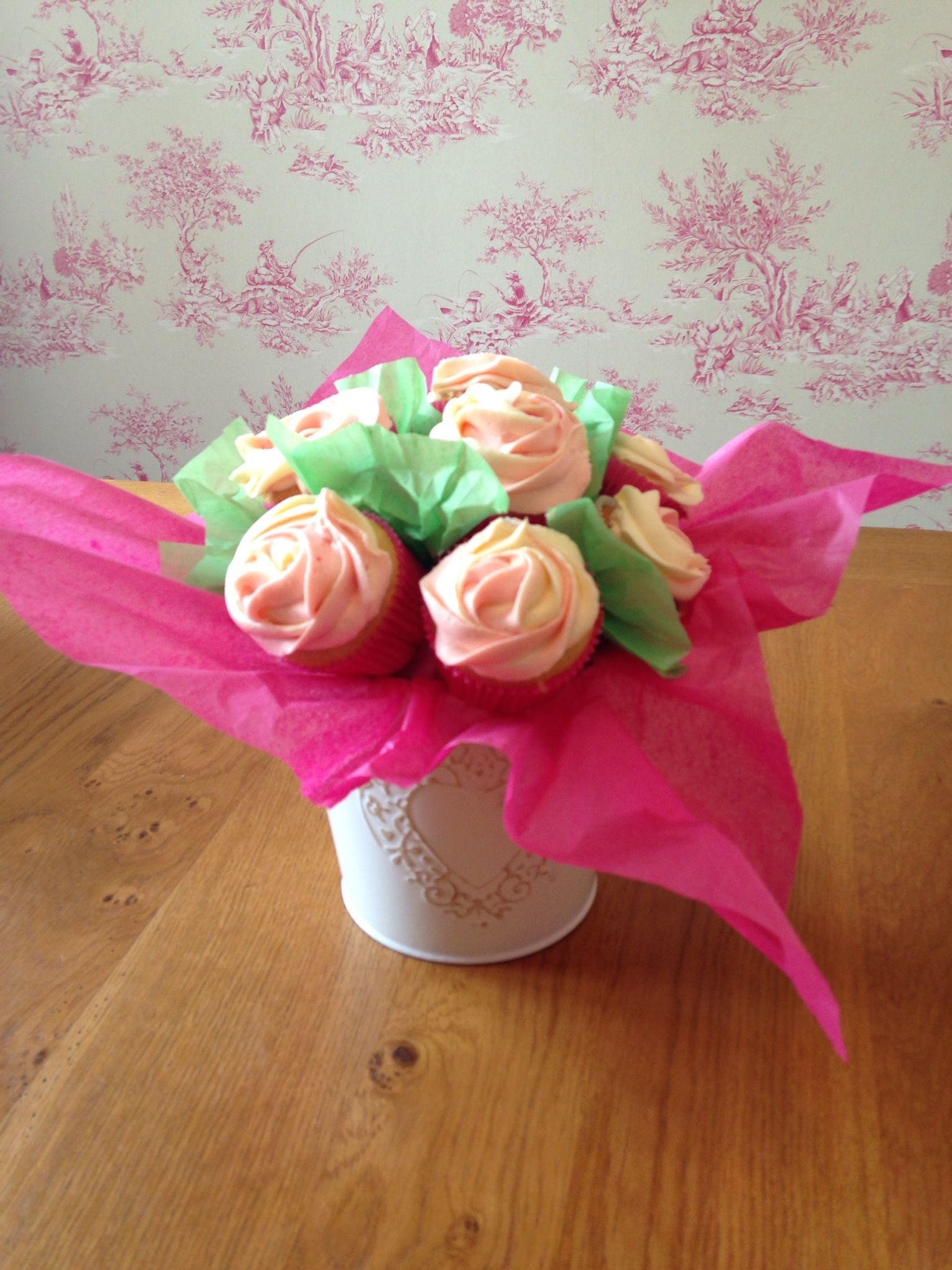 Birthday bouquet for my sister x cupcake bouquet pinterest
