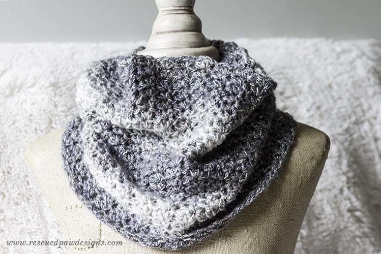 Free Shimmering Snow Cowl Crochet Pattern