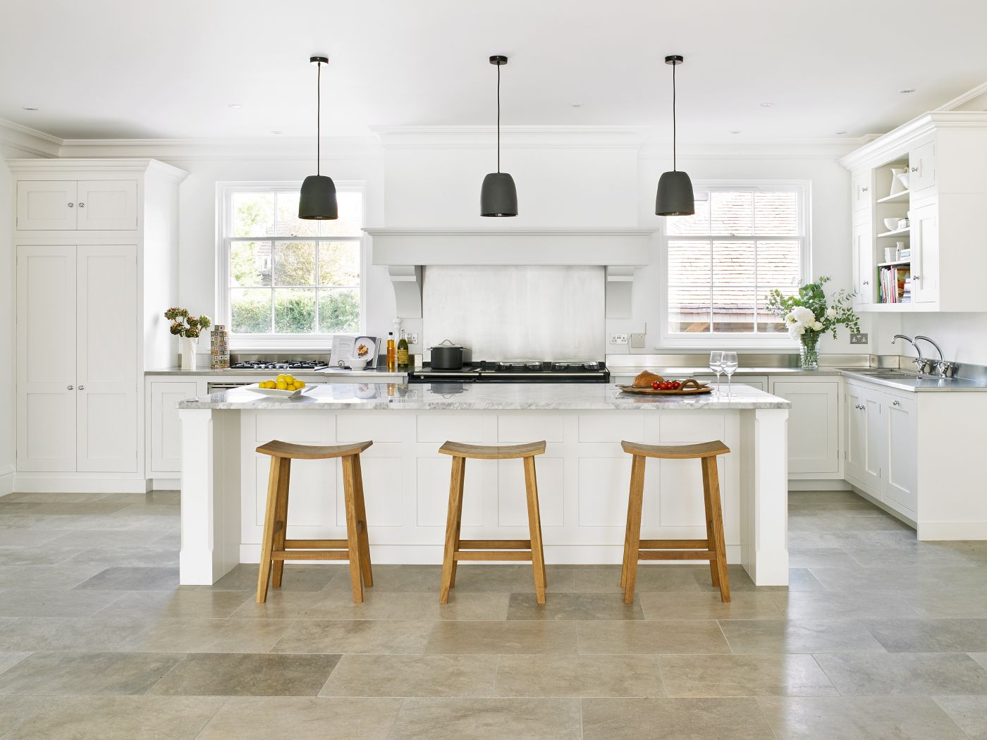 Felsted Kitchen - bespoke kitchen design with shaker style cabinets ...
