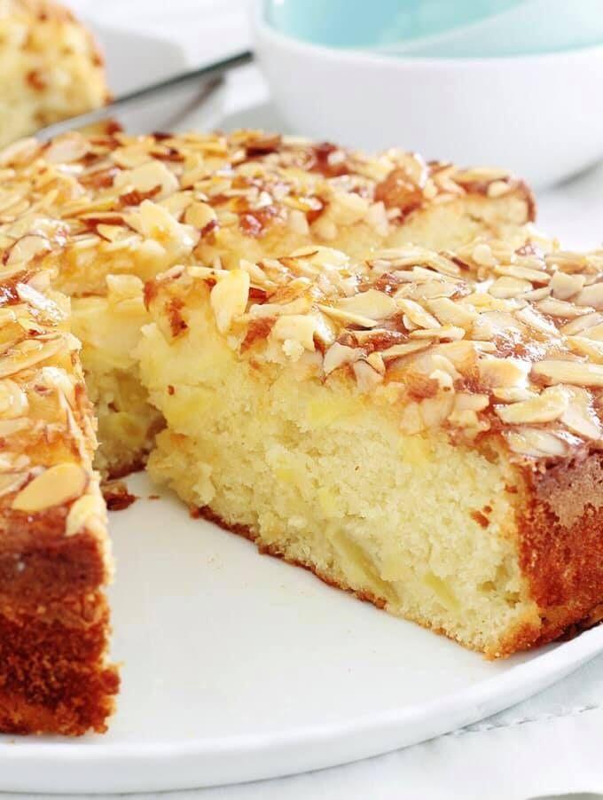 Gâteau Au Yaourt Pommes, Amandes, Hyper Moelleux En 2020