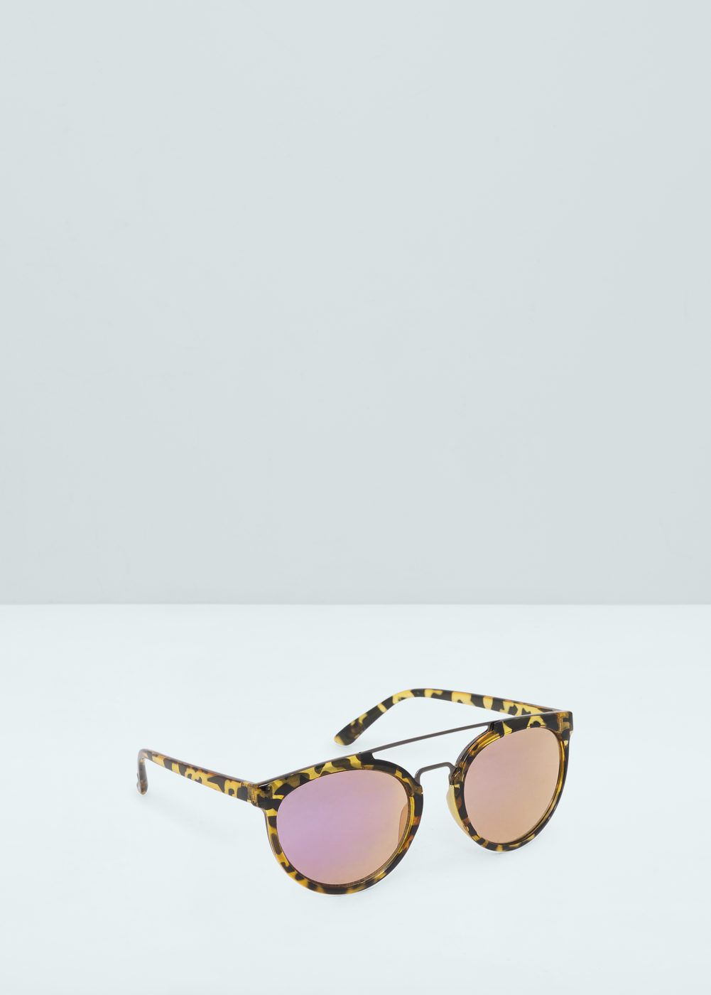 4dd19047df87 Contrasting sunglasses - Women | s t y l e | Sunglasses, Retro ...