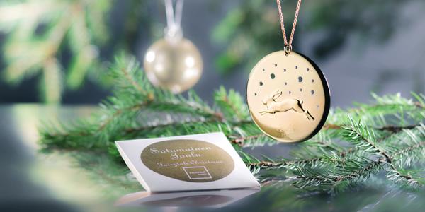 Oliko lapsuutesi kuusissa oikeat kynttilät? Mikä on joulukuusen rakkain koriste? #kalevalakoru #korukeskiviikko Joulu 2015