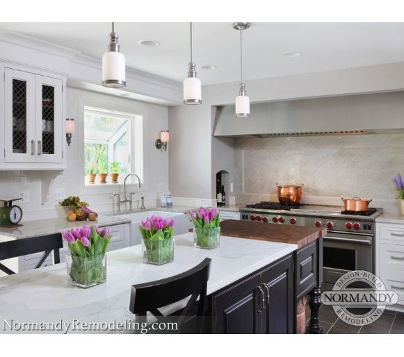 Oversized Commercial Scale Appliances In The Home Truly Make A Stunning Chicago Kitchen Design Decorating Inspiration