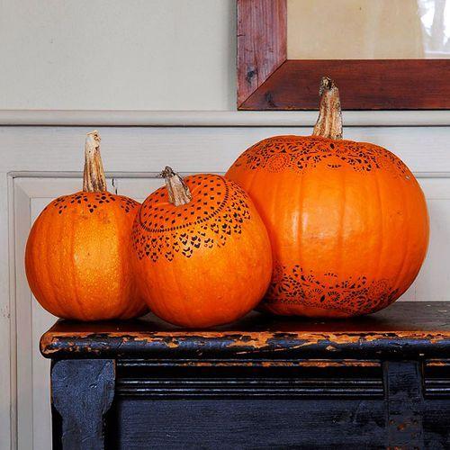 Doily Stenciled pumpkins Halloween Pinterest Paper doilies - how to make pumpkin decorations for halloween