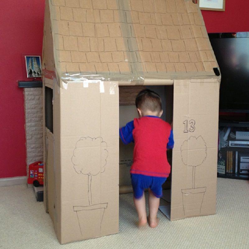faire une maison en carton pour enfants cabane carton. Black Bedroom Furniture Sets. Home Design Ideas