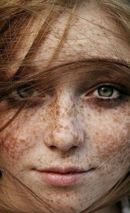 Freckles & red hair | Øyne, Beautiful, Hår