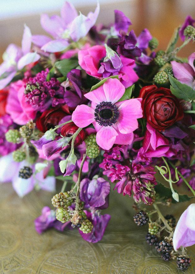 flower chic: berry-licious centerpiece idea | flowers in fashion