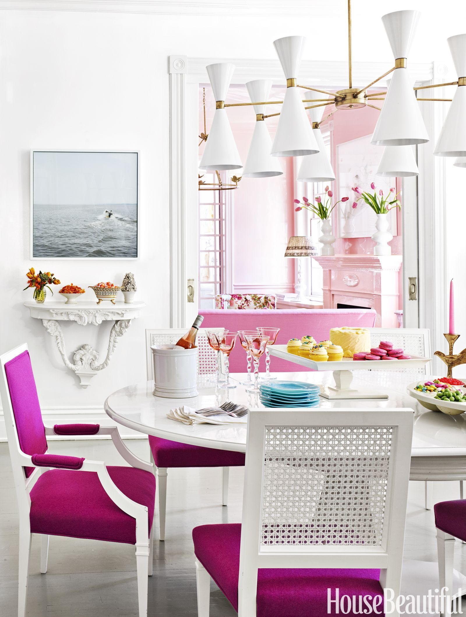 Home hall decke design einfach hot pink cushions  a coat of a highgloss white contrasts with
