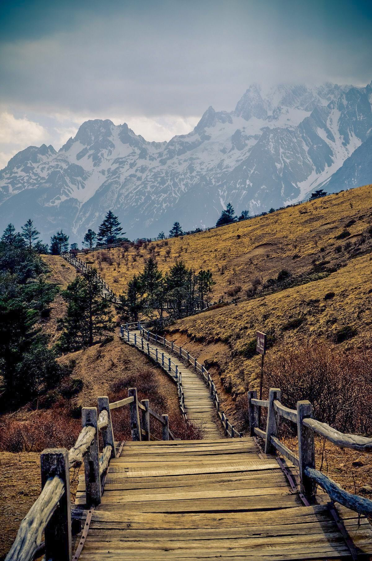 Mountain Hiking Trail In 2020 Places To Travel Nature Mountain Hiking