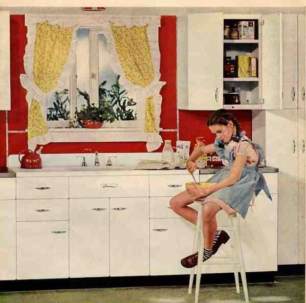a cheery 1945 kitchen to mark month 39 s end retro renovation kitchens and vintage kitchen. Black Bedroom Furniture Sets. Home Design Ideas