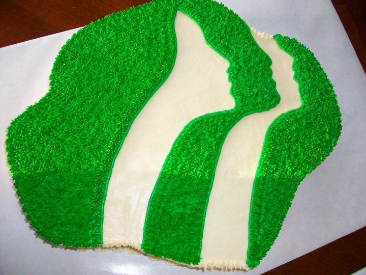 Girl Scout logo cake - my sister made a cake like this one year during scouts.  She's so talented!