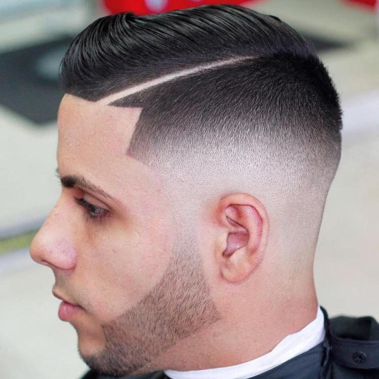coupe,cheveux,homme,dégradé,trait,barbe,frange,modèles