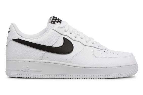 quality design b2e3b 6ec4a Deportivas Nike Air Force 1  07 Blanco vistra trasera