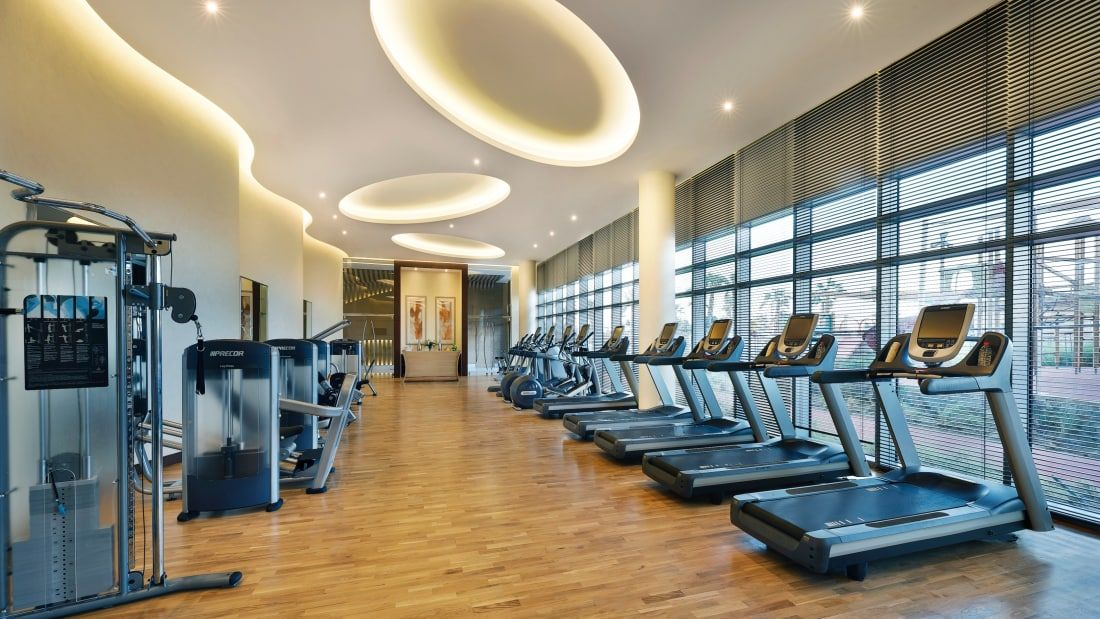 The World S Most Amazing Hotel Gyms Hotel Gym Marriott Hotels House Styles