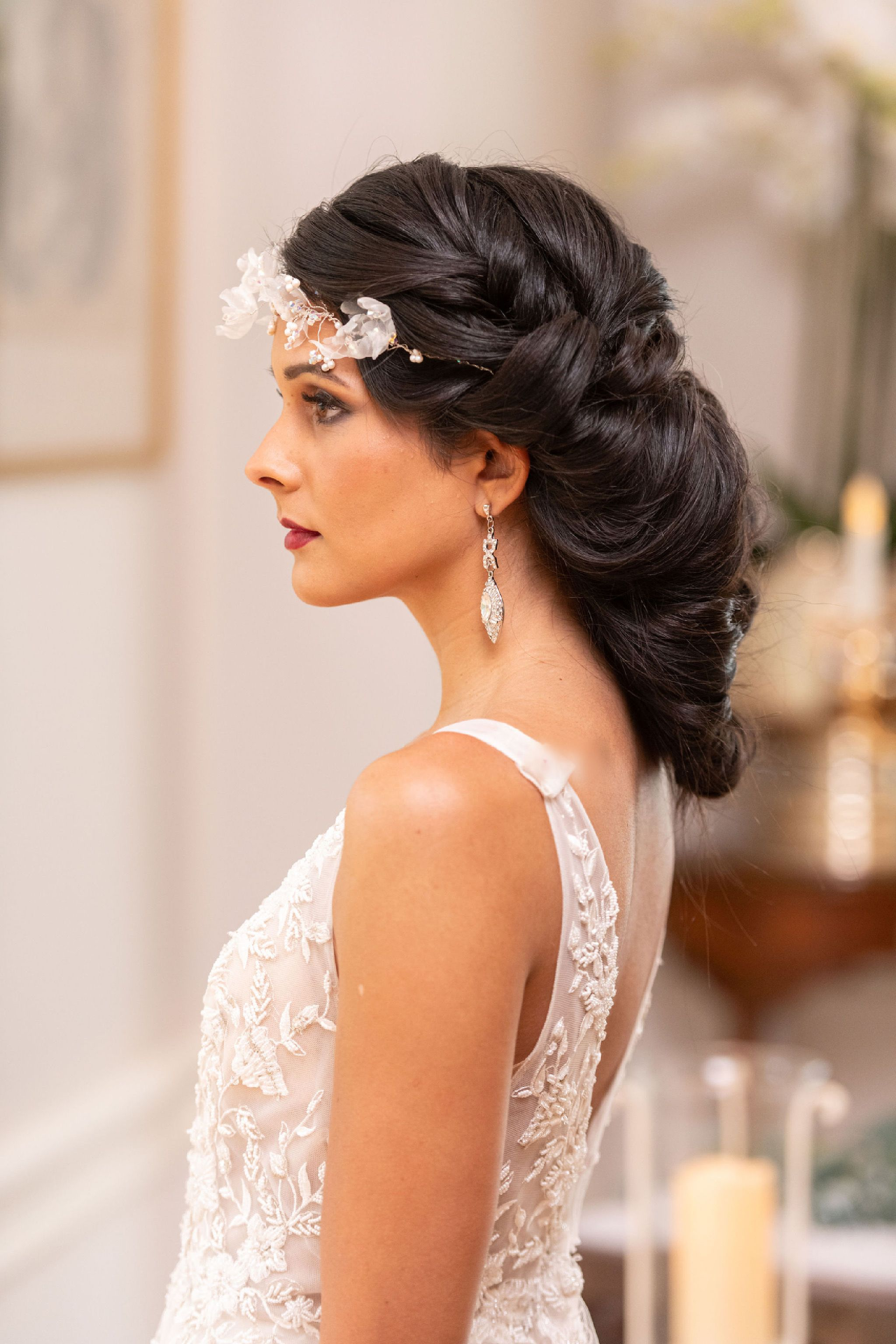 Modern Twist On A 1920 S Inspired Shoot Modernbride Hairstyles