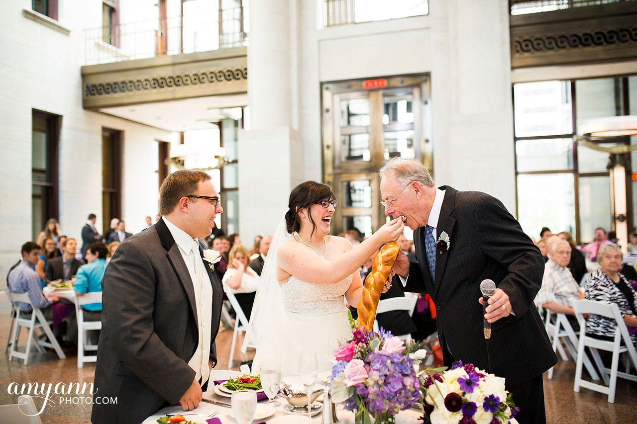 Jaclyn + Alex: Columbus Ohio Jewish Wedding at Tifereth Israel + The Ohio Statehouse   Amy Ann Photography