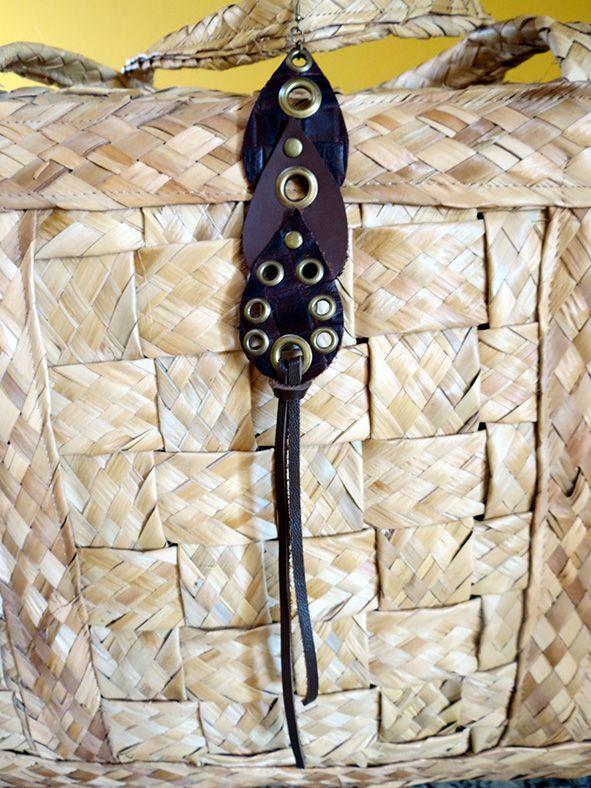 Brincos artesanais no site: www.asuamaneira.com.br