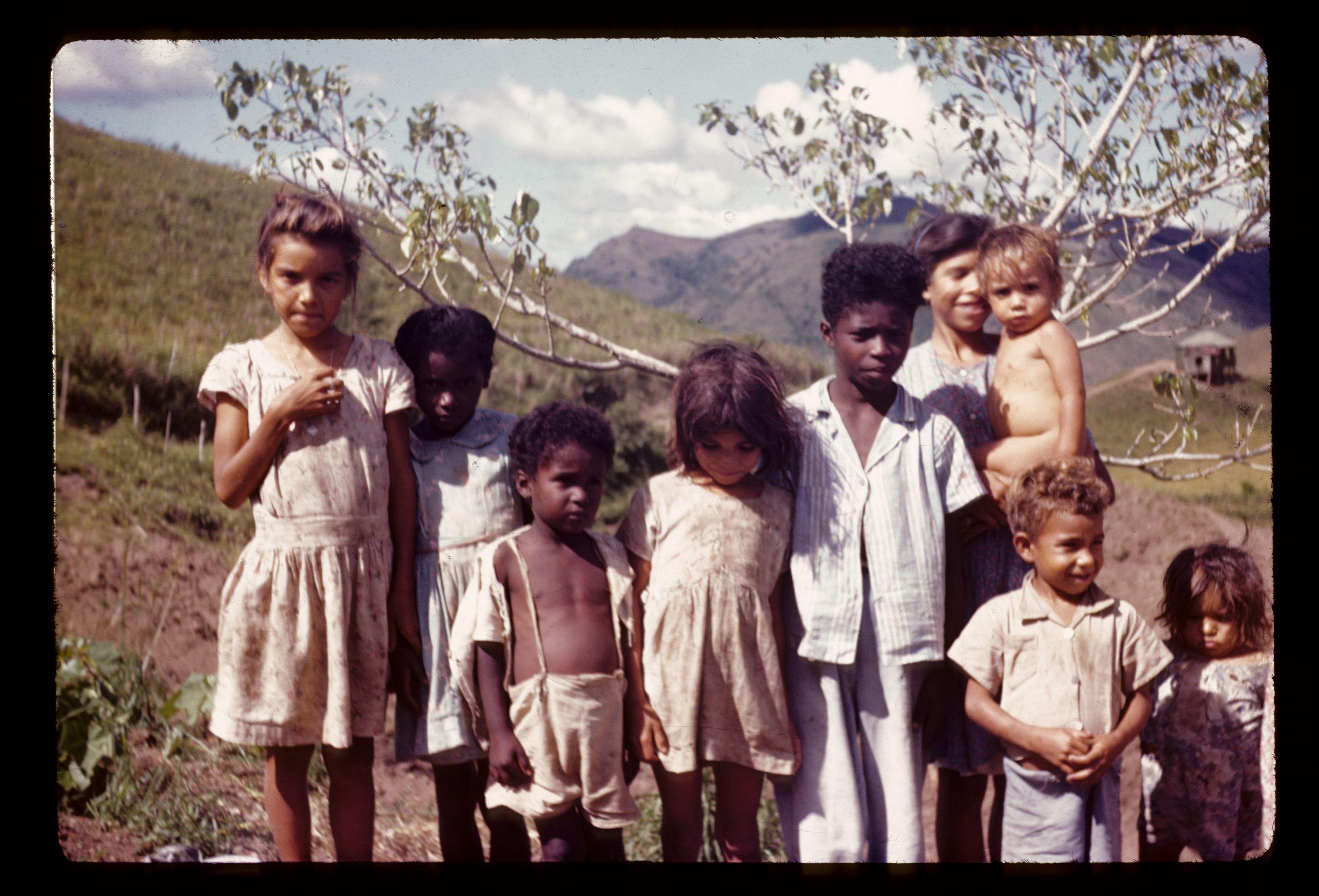 Name Puertorriqueno: Niños En El Campo.